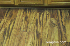 vinyl-planks-floor-in-the-kitchen-1.jpg