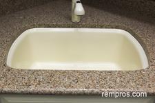 Stainless Steel Sink Vs Porcelain : Cast iron undermount vs apron stainless steel kitchen sink ...