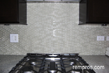 Glass mosaic vs marble tiles kitchen backsplash – comparison ...